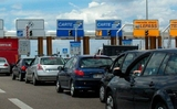 Đi nghỉ đông bằng ô tô: quy định, lệ phí và trang bị phải có ở vài nước