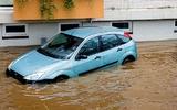 Làm thế nào để biết xe đã bị ngập nước? Thợ sửa xe khuyên: hãy kiểm tra một chỗ