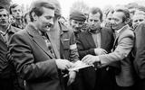 14/11/1982: Lech Walesa ra tù