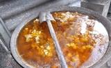 Phở nước béo mỡ thối, thịt xiên nướng tẩm gia vị Tàu