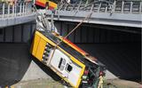 Vụ tai nạn xe buýt ở Vác-sa-va. Tài xế dùng ma túy?