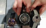 Tại sân bay Chopin hải quan vừa phát hiện một vụ mang lậu ba chiếc đồng hồ đeo tay hạng sang... có giá trị tới 250 nghìn zł