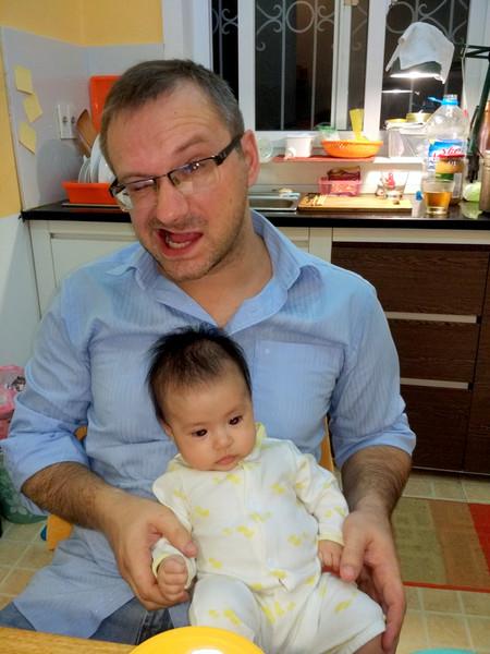 Phỏng vấn một người Ba Lan lấy vợ Việt Nam và sống ở Hà Nội của phóng viên Onet