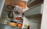 Nhà vi-rus học trả lời các câu hỏi như: Có cần rửa các thứ mua ở cửa hàng về không? Coronavirus có sống được trong tủ lạnh không?