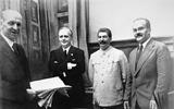 Hiệp ước Ribbentrop-Molotov và thất bại của Ba Lan năm 1939