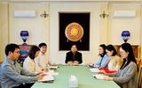 Đại sứ Vũ Đăng Dũng trả lời phỏng vấn báo