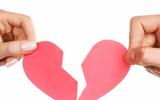 Hôn nhân ngắn ngủi, tại ai?