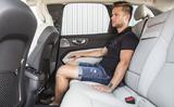 Ba Lan: Ai phải trả tiền phạt khi không đeo dây an toàn khi đi xe?