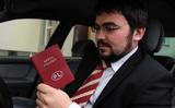 Ta có thể không cần mang bằng lái xe và bỏ thẻ xe từ 2019?