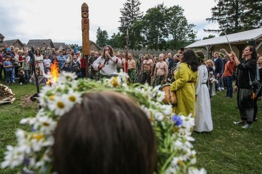 Phong tục và truyền thống Ba Lan: Đêm Hạ chí và Đêm Kupała