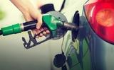 Tại sao giá dầu mỏ trên thế giới giảm mà giá bán xăng vẫn cao?