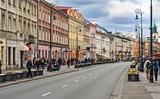 Phố Nowy Świat (Warszawa) là một trong những phố buôn bán có tiền thuê bao đắt nhất thế giới