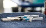 Hoa Kỳ: 74 người được tiêm ngừa COVID vẫn bị lây nhiễm và tử vong