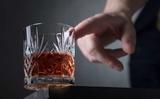 Rượu ít nguy hiểm hơn sau khi vượt qua một ngưỡng tuổi nào đấy?
