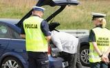 Ba Lan: Khám và kiểm tra xe ô tô. Bạn hãy biết quyền của mình