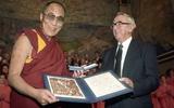 05/10/1989: Đức Dalai Lama được trao giải Nobel Hòa bình