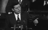 25/05/1961: John F. Kennedy tuyên bố sẽ đưa người Mỹ lên mặt trăng
