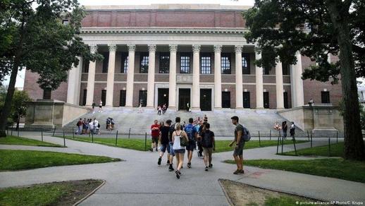 Mỹ muốn đẩy sinh viên về, visa không có tác dụng