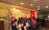 Đoàn công tác của Đại sứ quán làm việc với Chính quyền Cộng hòa Lít-va và cùng với cộng đồng người Việt tại Lít-va tổ chức Tết Nguyên đán Đinh Dậu 2017