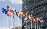 Sáu cuộc khủng hoảng có thể làm hỏng mùa nghỉ hè của châu Âu