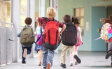 Ba Lan: Ghi tên cho trẻ em 6 tuổi đi học như thế nào?