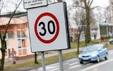Luật giao thông: Hạn chế tốc độ ở Ba Lan. Có phải trên đường xe nhanh (ekspresówka) ta có thể chạy 120 km/h không? Không phải bao giờ cũng thế. Còn có các bẫy khác
