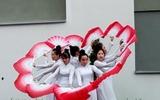 Sinh viên Việt Nam tại Ba Lan tham gia ngày hội văn hóa các quốc gia (International Day)
