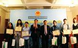 Đại sứ quán Việt Nam tại Séc tôn vinh học sinh, sinh viên xuất sắc