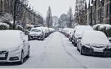 Luật giao thông (BL): Các bạn làm điều này khi dọn tuyết cho xe ô tô? Bạn có thể bị phạt nặng đấy!