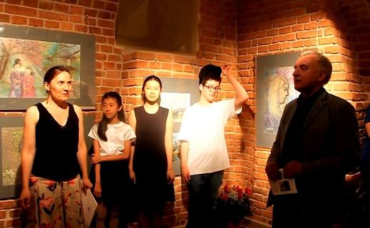 Khai trương triển lãm tranh của 3 tác giả trẻ Allen, Nguyễn Nhật Anh và Nguyễn Lan Vy.