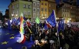 Hàng chục nghìn người Ba Lan tham gia biểu tình ở 160 thành phố và thị trấn