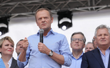 Donald Tusk trong cuộc chiến với vị thánh lãnh tụ (ajatollah) của đảng PiS